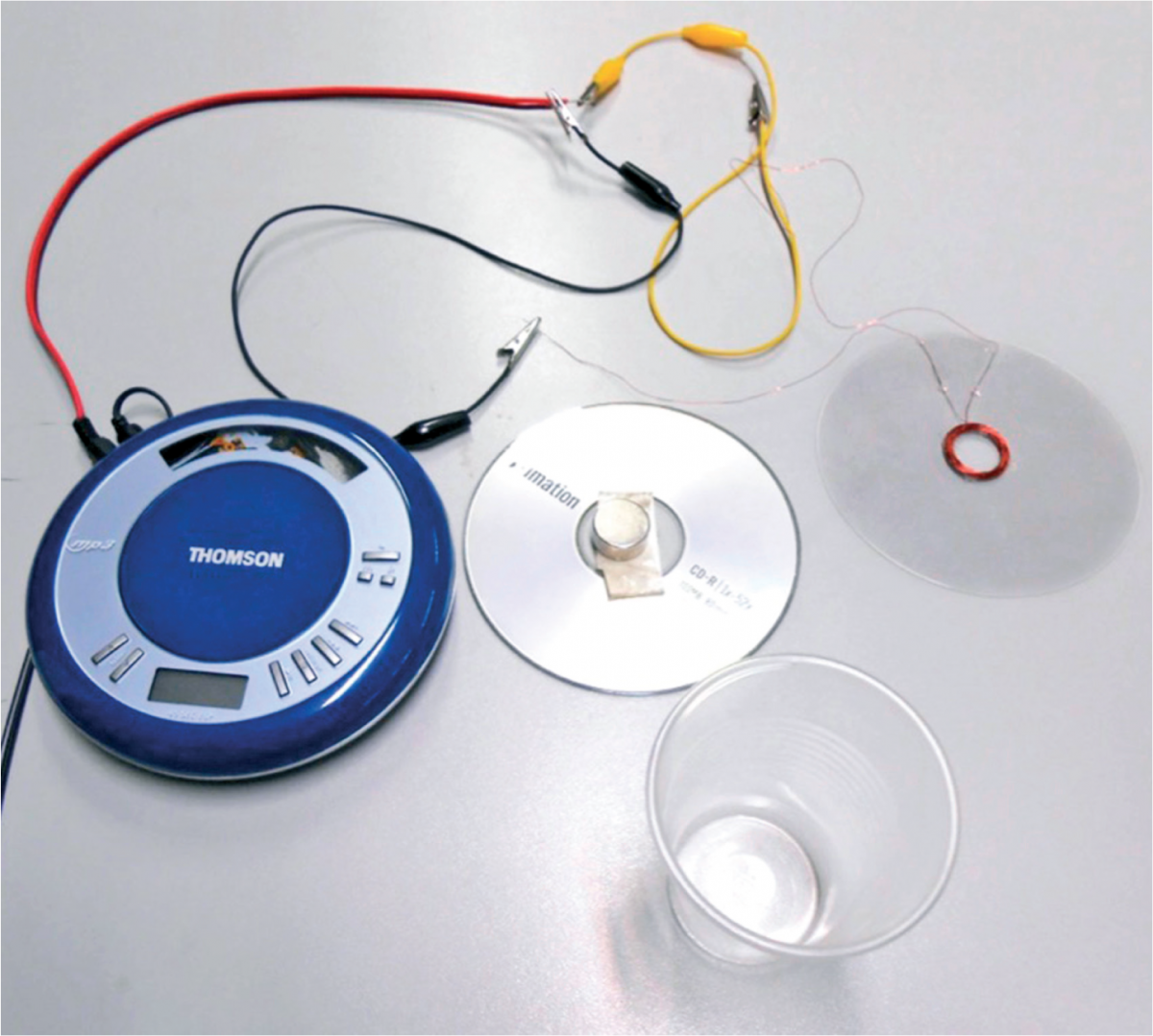 Figure 5: The components of the loudspeaker, using an mp3 player for the audio source
