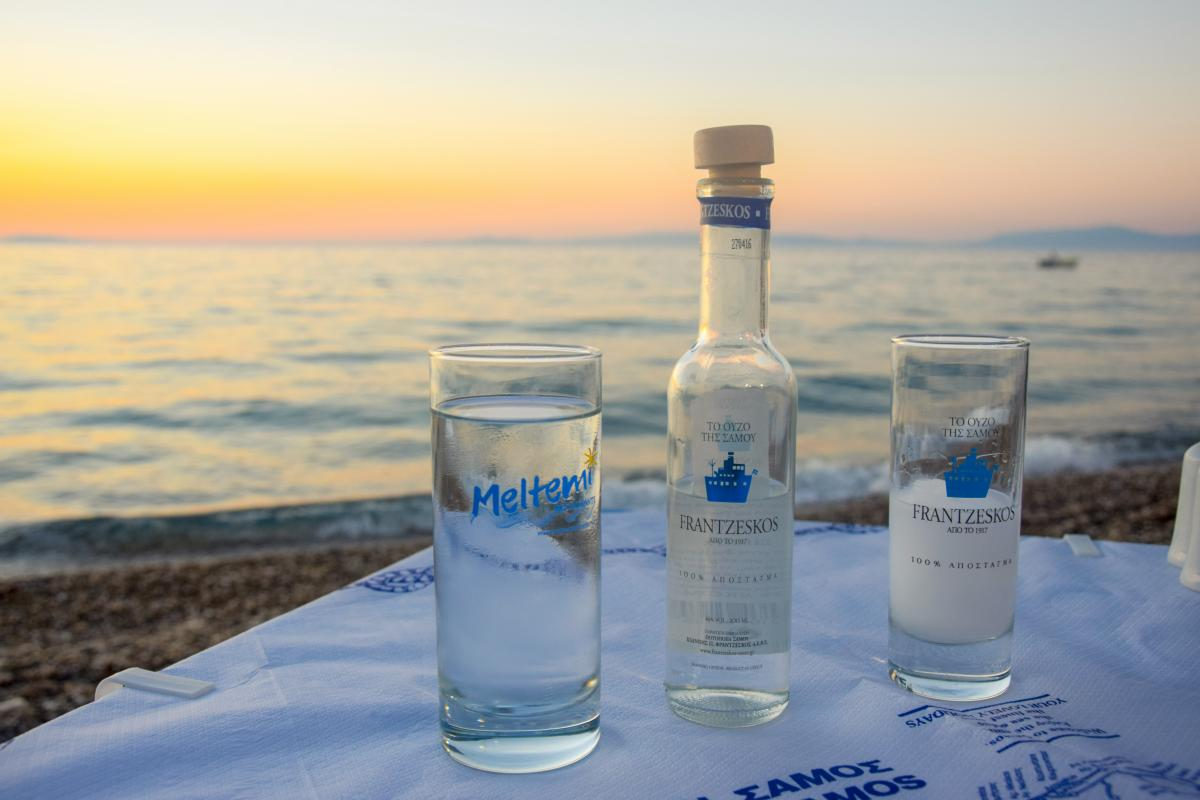 The 'ouzo' effect