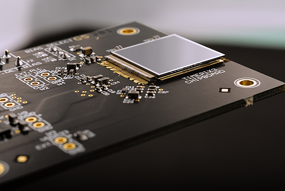 Pixel-sensor chip developed for use in X-ray imaging and particle detection