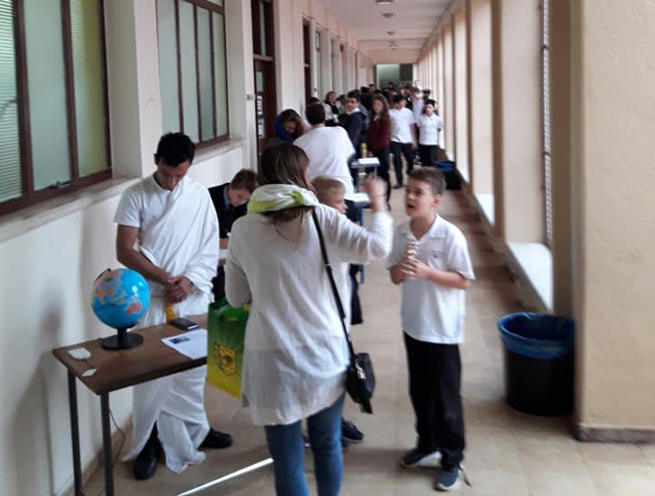 'The corridor of scientists' event with students and visitors